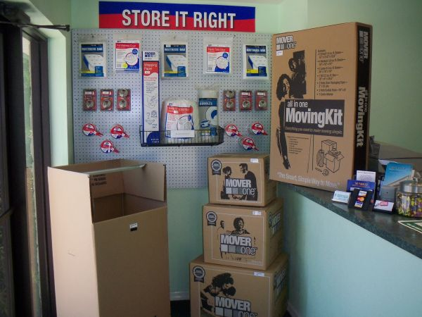 2707 SW 40th Blvd Gainesville, FL 32608 - Moving/Shipping Supplies