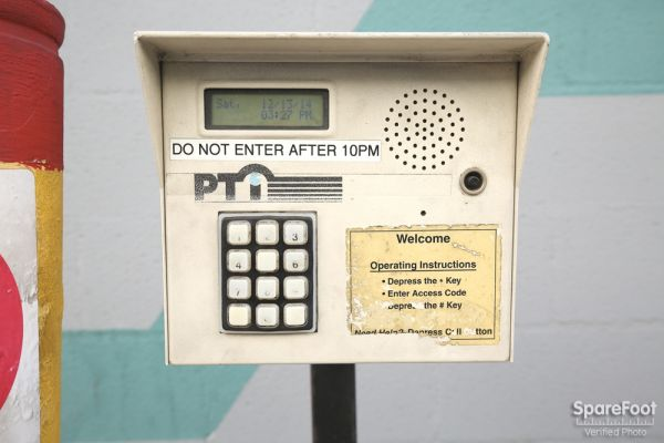 6121 Lankershim Blvd North Hollywood, CA 91606 - Security Keypad
