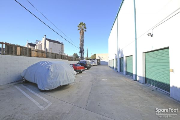 6121 Lankershim Blvd North Hollywood, CA 91606 - Drive-up Units
