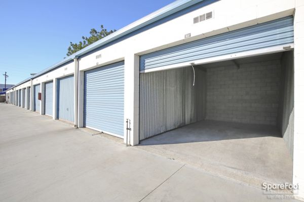 18626 S Western Ave Gardena, CA 90248 - Drive-up Units