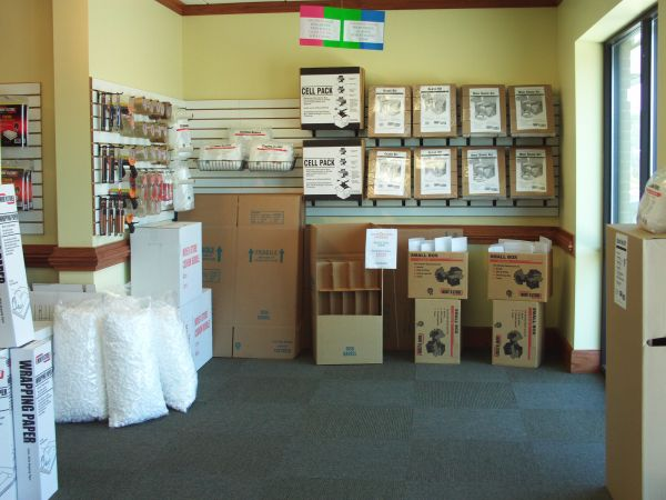13534 Plaza Road Extension Charlotte, NC 28215 - Moving/Shipping Supplies