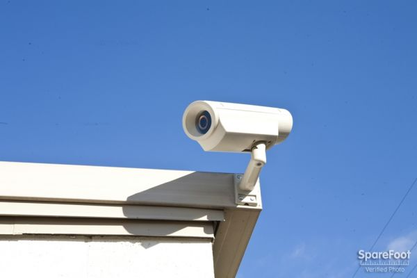 900 E Orangethorpe Ave Anaheim, CA 92801 - Security Camera