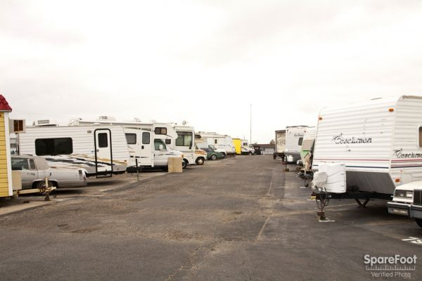 20501 S Main St Carson, CA 90745 - Car/Boat/RV Storage