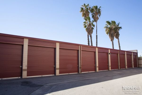 20550 Lassen St Chatsworth, CA 91311 - Drive-up Units|Driving Aisle