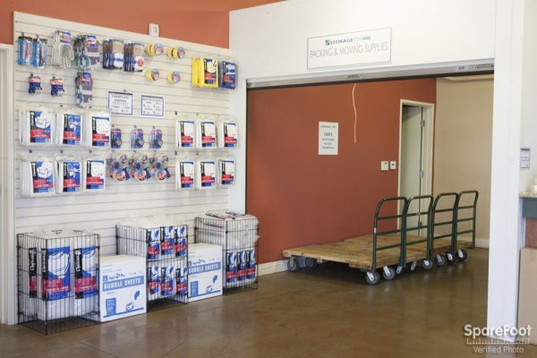 20550 Lassen St Chatsworth, CA 91311 - Moving/Shipping Supplies|Rolling Cart