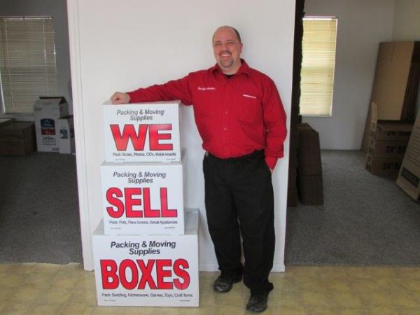 16824 Chesterfield Airport Rd Chesterfield, MO 63005 - Staff Member|Moving/Shipping Supplies