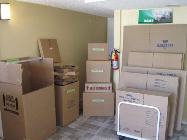 8881 E Florida Ave Denver, CO 80247 - Moving/Shipping Supplies