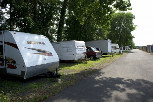 350 Alumni Rd Newington, CT 06111 - Car/Boat/RV Storage