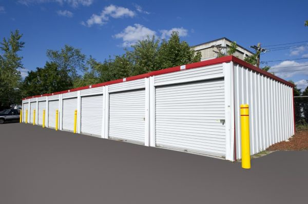 115 Bacon St Waltham, MA 02451 - Drive-up Units