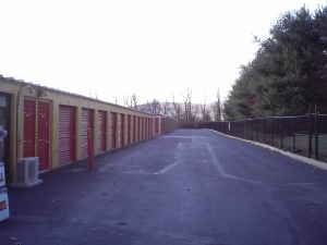 307 S Lincoln Ave Washington, NJ 07882 - Driving Aisle