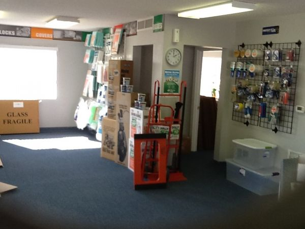 540 E Fairfield Dr Pensacola, FL 32503 - Moving/Shipping Supplies