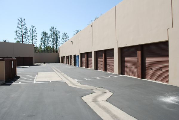 585 Porter Way Placentia, CA 92870 - Driving Aisle
