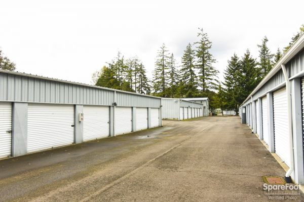 9540 SW 125th Ave Beaverton, OR 97008 - Driving Aisle|Drive-up Units