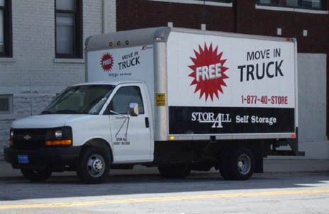 1109 Alfred St Cincinnati, OH 45214 - Moving Truck