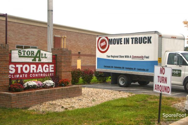 6294 E Main St Columbus, OH 43068 - Moving Truck