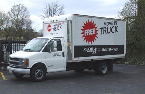 6800 Oak Creek Drive Columbus, OH 43229 - Moving Truck