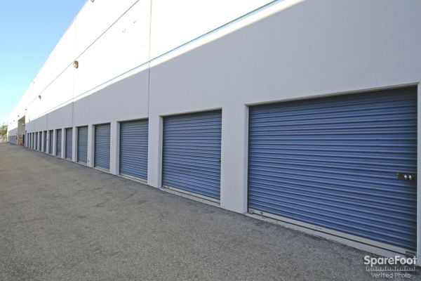 17324 S Broadway Gardena, CA 90248 - Drive-up Units