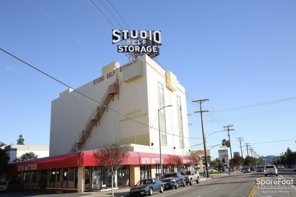 6200 Lankershim Blvd North Hollywood, CA 91606 - Storefront|Signage