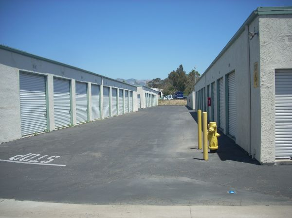 645 Tank Farm Rd San Luis Obispo, CA 93401 - Driving Aisle|Drive-up Units