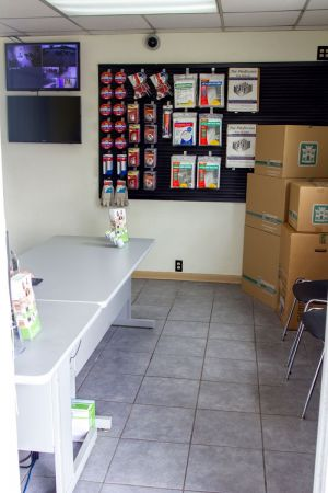 3134 Chestnut Dr Doraville, GA 30340 - Front Office Interior|Moving/Shipping Supplies