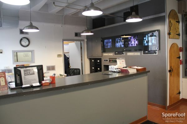 1516 N Orleans St Chicago, IL 60610 - Front Office Interior