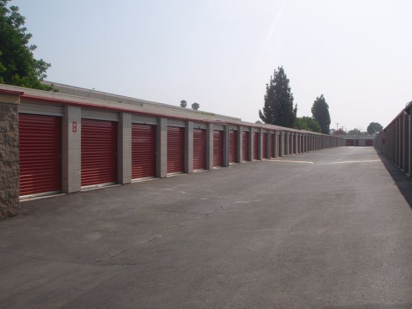 701 S Palmetto Ave Ontario, CA 91762 - Drive-up Units