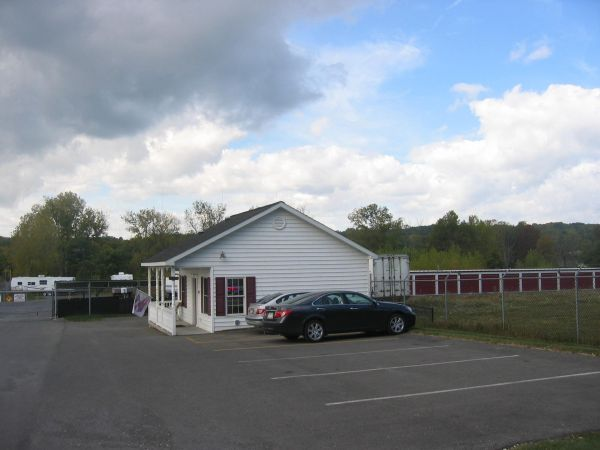 721 River Rd Glenmont, NY 12077 - Storefront