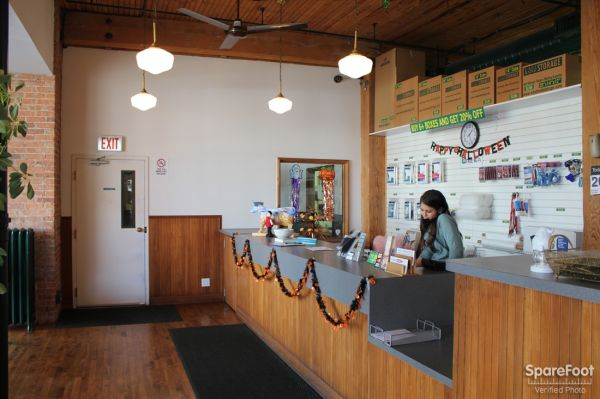 730 W Lake St Chicago, IL 60661 - Staff Member|Front Office Interior