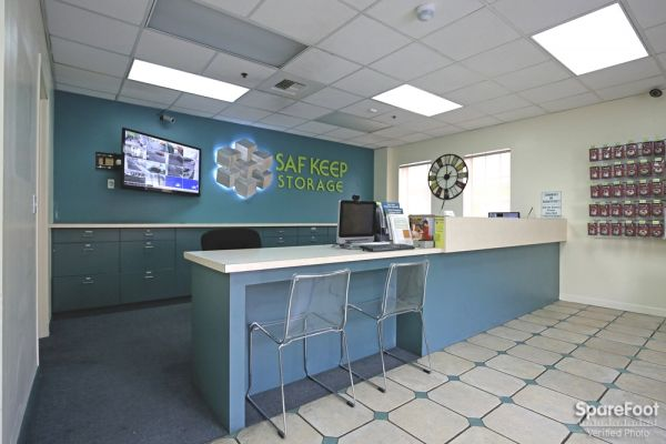 4996 Melrose Ave Los Angeles, CA 90004 - Front Office Interior