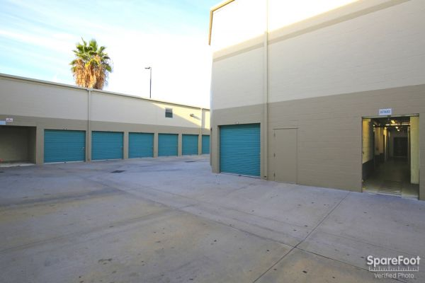 2840 N San Fernando Rd Los Angeles, CA 90065 - Drive-up Units