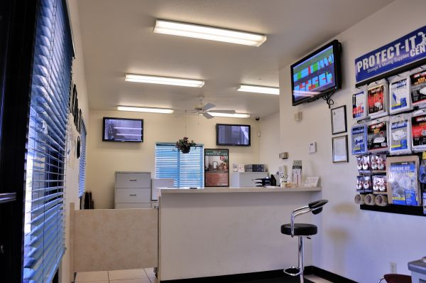 2505 N Dragoon St Tucson, AZ 85745 - Front Office Interior