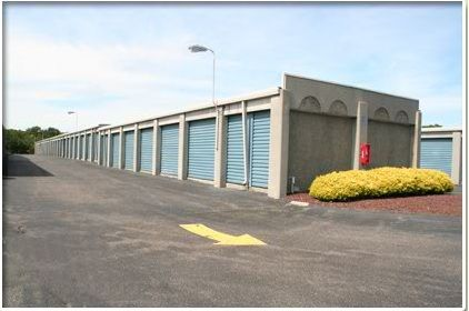 2608 Atlantic Ave Manasquan, NJ 08736 - Drive-up Units|Driving Aisle