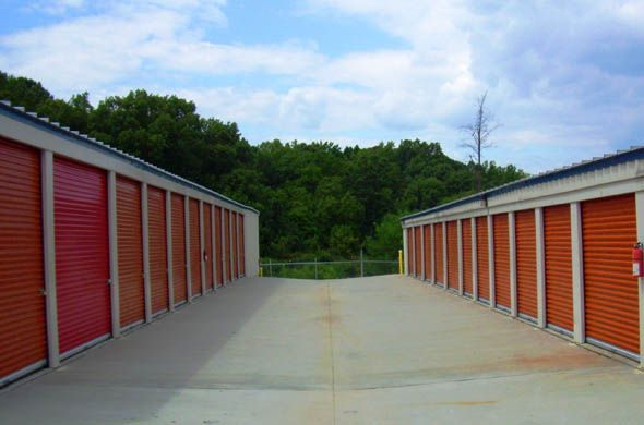 1246 River Hwy Mooresville, NC 28117 - Driving Aisle|Drive-up Units