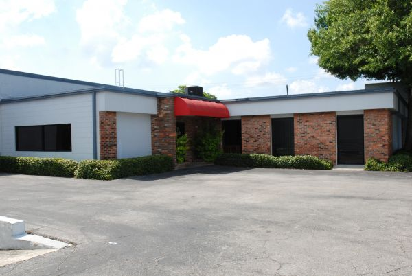 520 S Macdill Ave Tampa, FL 33609 - Storefront