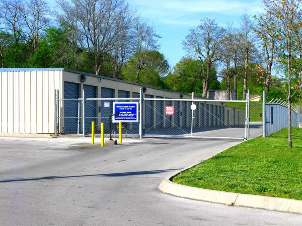 5500 Central Avenue Pike Knoxville, TN 37912 - Security Gate|Drive-up Units