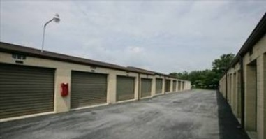 2178 Industrial Dr Bethlehem, PA 18017 - Drive-up Units