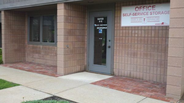 1245 S Cleveland-Massillon Road, Suite 8 Copley, OH 44321 - Storefront