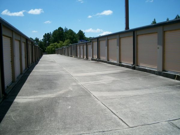 1805 Wylds Rd Augusta, GA 30909 - Drive-up Units