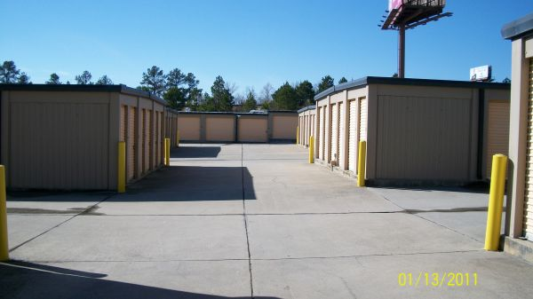 1805 Wylds Rd Augusta, GA 30909 - Driving Aisle|Drive-up Units