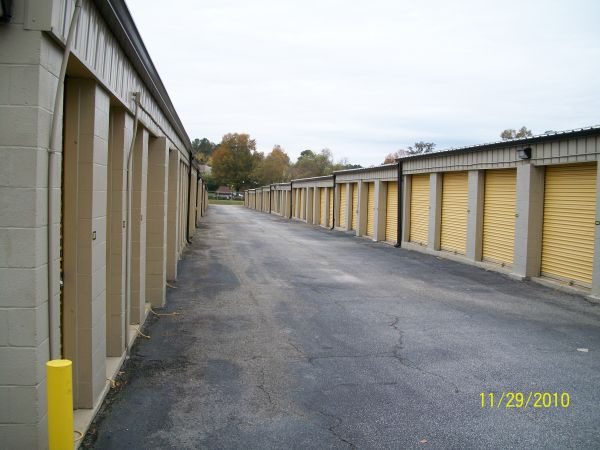 1045 Bertram Rd Augusta, GA 30909 - Driving Aisle|Drive-up Units