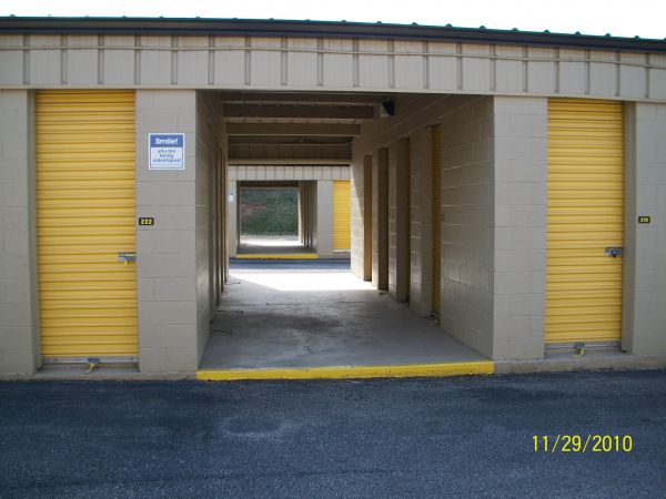 1045 Bertram Rd Augusta, GA 30909 - Drive-up Units
