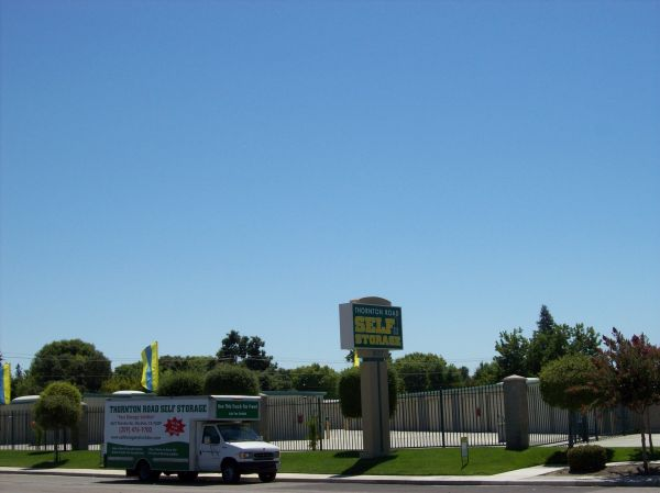 8627 Thornton Rd Stockton, CA 95209 - Road Frontage
