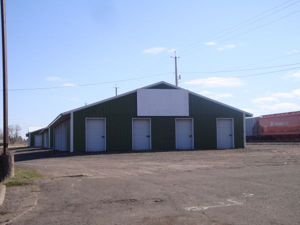 4938 Bay Dr Superior, WI 54880 - Drive-up Units|Driving Aisle