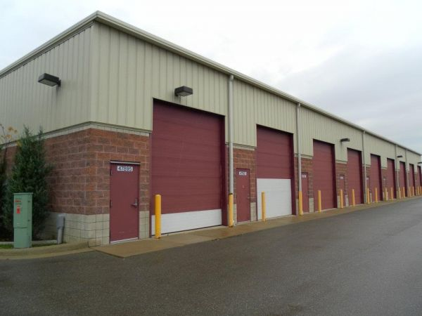 47887 Michigan Ave Canton, MI 48188 - Drive-up Units