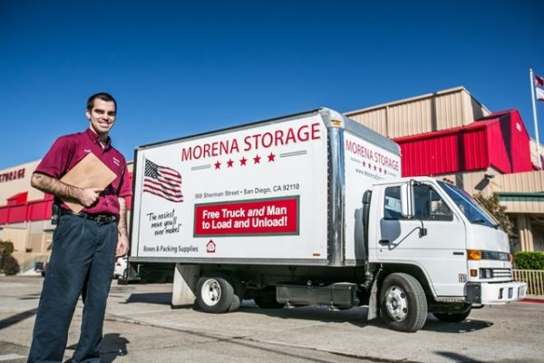 908 Sherman St San Diego, CA 92110 - Staff Member|Moving Truck