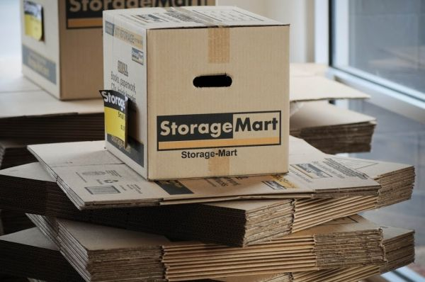 1015 N Halsted St Chicago, IL 60622 - Moving/Shipping Supplies