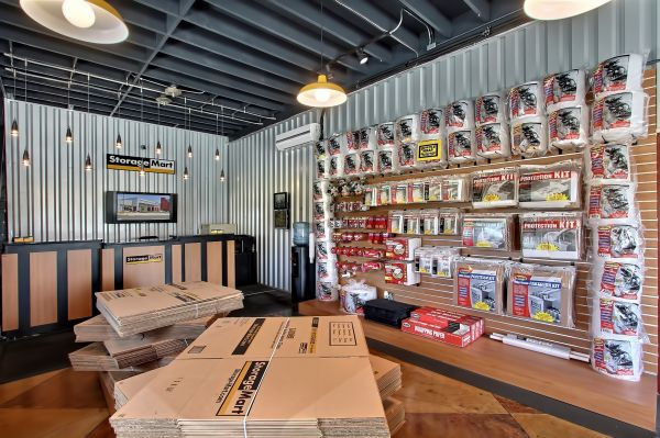 2450 Mandela Parkway Oakland, CA 94607 - Moving/Shipping Supplies