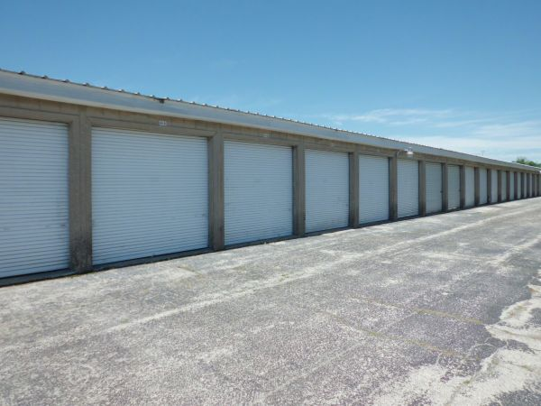 4040 N Service Rd St Peters, MO 63376 - Drive-up Units