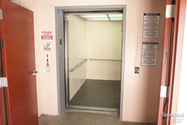 14601 Sherman Way Van Nuys, CA 91405 - Elevator
