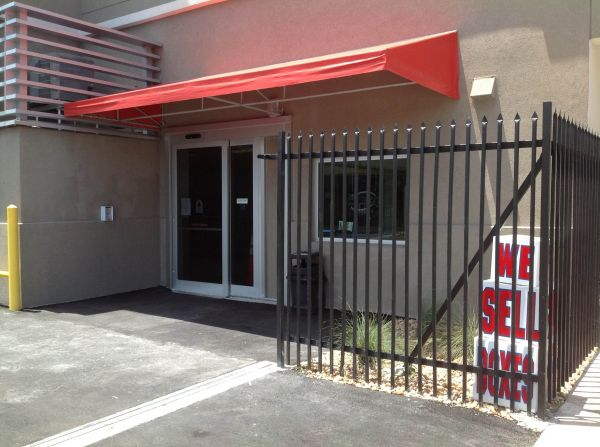 3300 NE 2nd Ave Miami, FL 33137 - Security Gate